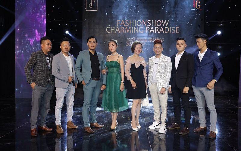 Chuyên gia tư vấn thương hiệu Mr Snake và team Kangen water 102 bảnh bao dự Fashion Show Charming Paradise