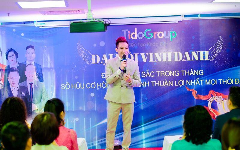 Đạo diễn Mr Snake chia sẻ cơ hội kinh doanh thời covid tại sự kiện Đại hội vinh danh tháng 6 tập đoàn Tido Group